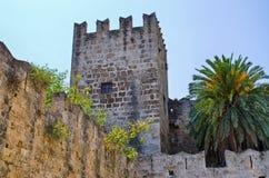 罗得岛镇,希腊极大的古老墙壁  库存照片
