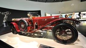 罗斯劳艾氏在BMW博物馆变成银色鬼魂在显示的葡萄酒汽车 库存图片
