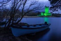 罗斯城堡在晚上。 基拉尼。 爱尔兰 库存图片