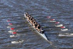 罗斯市乘员组在查尔斯赛船会人` s青年时期Eights头赛跑  库存照片