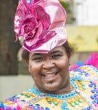 戴罗斯帽子的人在狂欢节期间 库存图片