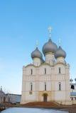 罗斯托夫Veliky,俄罗斯3月30日 2016年 假定大教堂在克里姆林宫 免版税库存图片