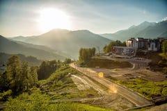 罗斯高原和山的看法在日落的夏天 免版税库存照片