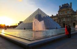 罗浮宫是一个世界` s最大的博物馆和一座历史的纪念碑 库存照片