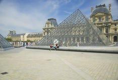 罗浮宫的外部,巴黎,法国 免版税库存图片