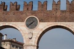 维罗纳市门 免版税库存照片