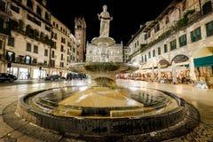 维罗纳,意大利- 2017年4月04日:维罗纳,威尼托都市风景  免版税图库摄影