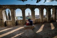 维罗纳,意大利- 2017年4月04日:维罗纳,威尼托都市风景  库存照片