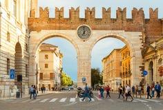 维罗纳 城市门 库存图片