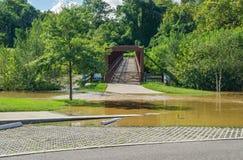 罗阿诺克河林荫道路桥梁在Wasena公园,罗阿诺克,弗吉尼亚,美国 库存照片