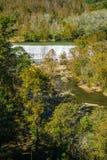 罗阿诺克河水坝的秋天视图 免版税图库摄影