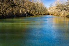罗阿诺克河的早冬天视图 库存照片