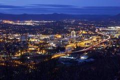 罗阿诺克,弗吉尼亚夜地平线  免版税库存照片