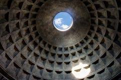 罗马万神殿的Oculus 免版税库存照片