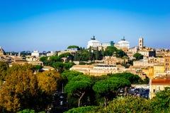 罗马全景如被看见从橙色庭院, Giardino degli Aranci,在罗马,意大利 免版税库存图片