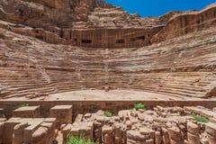 罗马剧院竞技场在petra约旦nabatean城市 免版税库存图片