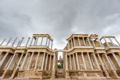 罗马剧院舞台在梅里达,超宽看法 免版税图库摄影