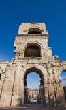 罗马剧院(I BC c. Rotland塔)。阿尔勒,法国 库存图片