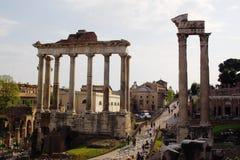 罗马古老的列 免版税库存照片