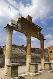 罗马古老的列 免版税库存图片