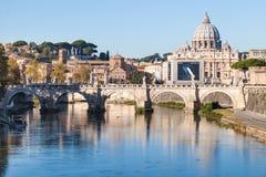罗马和梵蒂冈风景在秋天 库存图片