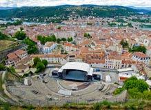 罗马圆形剧场在老镇维埃纳,法国 免版税库存照片