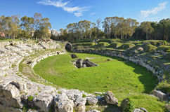 罗马圆形露天剧场在西勒鸠斯 免版税库存照片