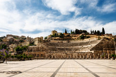 罗马圆形露天剧场在阿曼,约旦 免版税库存照片