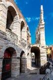 罗马圆形露天剧场的外部 免版税库存图片