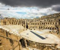 罗马圆形露天剧场的类型在El JEM城市在突尼斯 免版税图库摄影