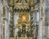 罗马圣彼得大教堂内部视图 免版税库存图片