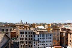 罗马在万神殿附近的市地平线 免版税库存照片