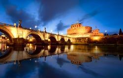 罗马在夜意大利之前 免版税库存图片