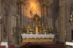 罗马天主教堂的内部,大正方形锡比乌市位于罗马尼亚 免版税库存照片