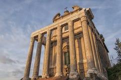 罗马寺庙Antoninus和Faustina 01 图库摄影
