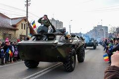 罗马尼亚人国庆节军事游行军队vehicule等级 库存图片