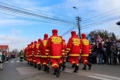 罗马尼亚人国庆节军事游行消防队员 库存图片