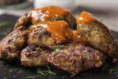 罗马尼亚传统食物` chiftele `或` parjoale ` 免版税库存图片