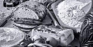 罗马尼亚传统食物桌 免版税库存照片