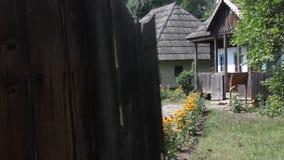 罗马尼亚家庭-木房子 影视素材
