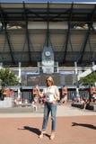 罗马尼亚的举世闻名的体操运动员纳迪娅・科马内奇参观比利・简・金国家网球中心在美国公开赛期间2016年 免版税库存图片