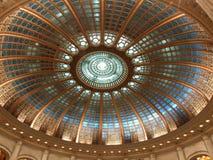 罗马尼亚议会覆以圆顶 库存图片
