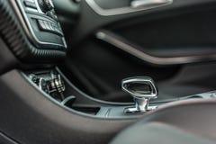 罗马尼亚,布拉索夫2014年9月16日:奔驰车A 45 2014个AMG内部 免版税图库摄影