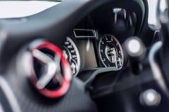 罗马尼亚,布拉索夫2014年9月16日:奔驰车A 45 2014个AMG内部 库存照片