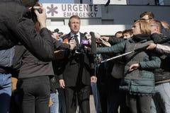 罗马尼亚总统参观受伤布加勒斯特Colectiv夜总会火 免版税库存照片
