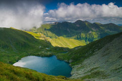 罗马尼亚` s山的湖 免版税库存照片