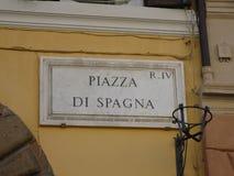 罗马市全景 意大利navona广场罗马旅行 与街道名字西班牙广场的火炉 免版税图库摄影