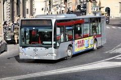 罗马市公共汽车 免版税库存照片