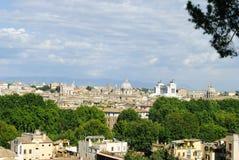 罗马市地平线 免版税库存照片