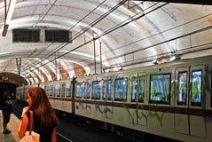 罗马市2014年5月30日的地铁生活 库存照片